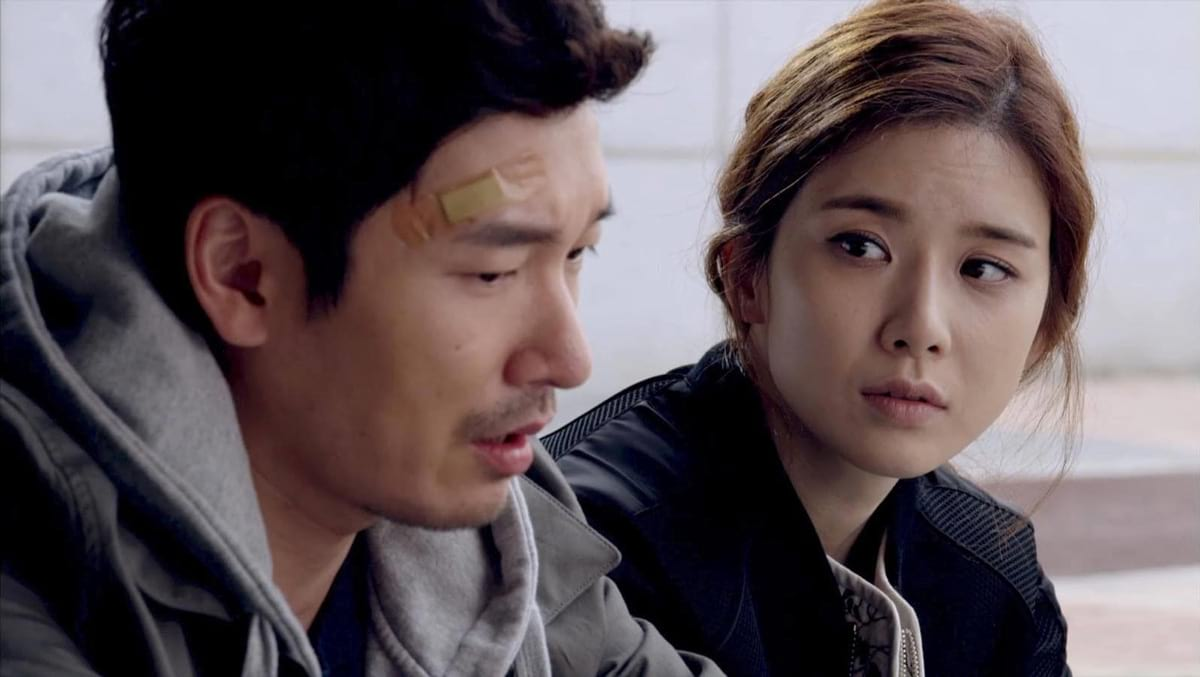 Lee Bo Young et Cho Seung Woo dans God's Gift - 14 Days