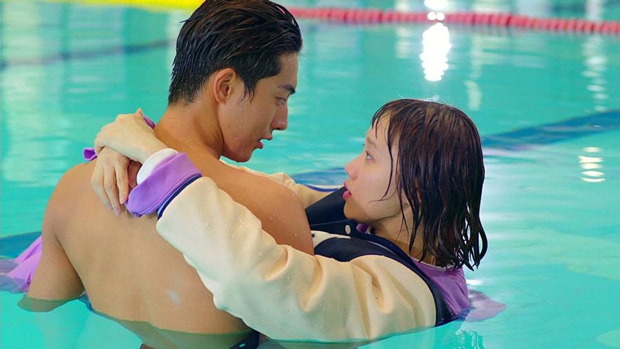 Nam Joo Hyuk et Lee Sung Kyung dans Weightlifting Kim Bok Joo