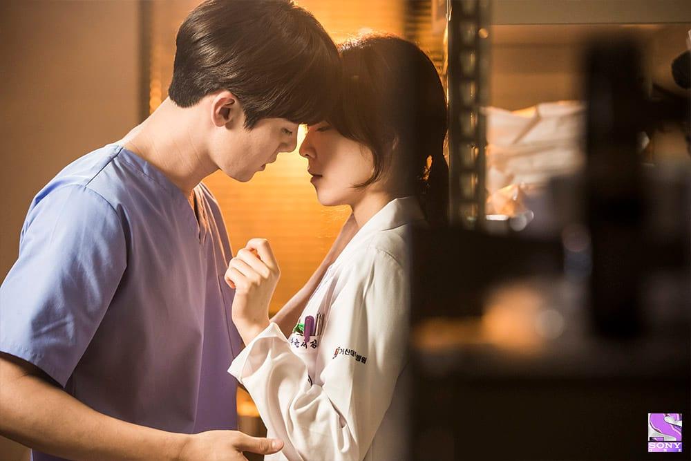 Yoo Yeon Seok et Seo Hyun Jin amoureux dans Dr Romantic