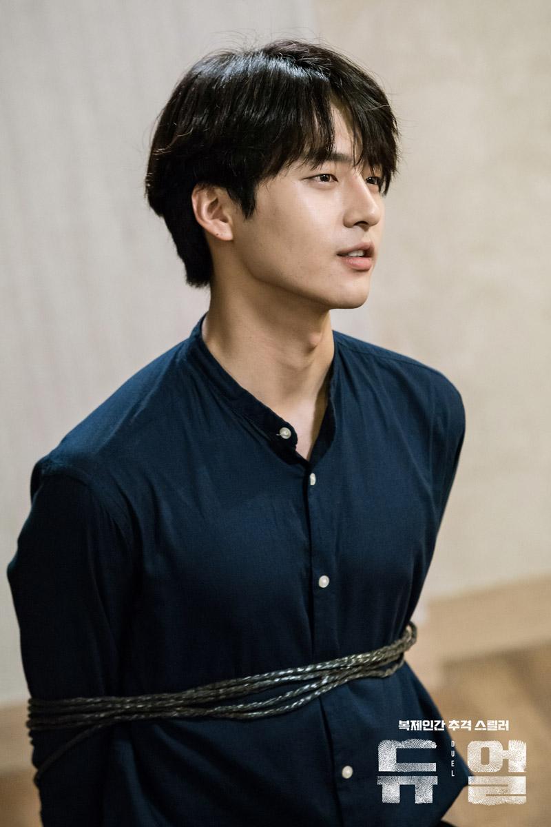 Duel : Lee Sung Hoon (Yang Se Jong)