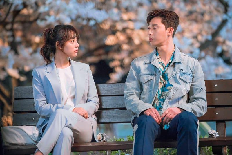 Kim Ji Won et Park Seo Joon dans Fight For my Way