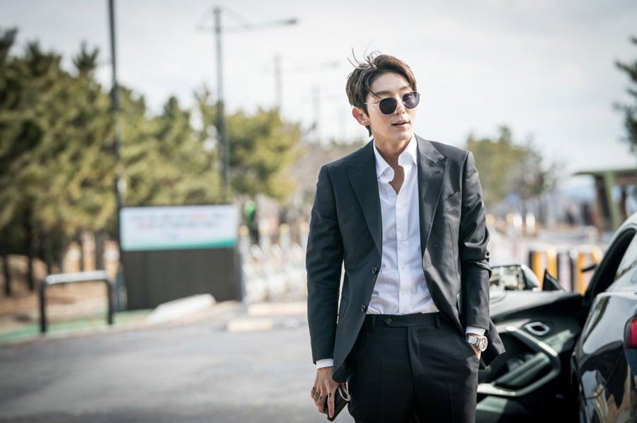 Lee Joon Gi dans le drama Lawless Lawyer