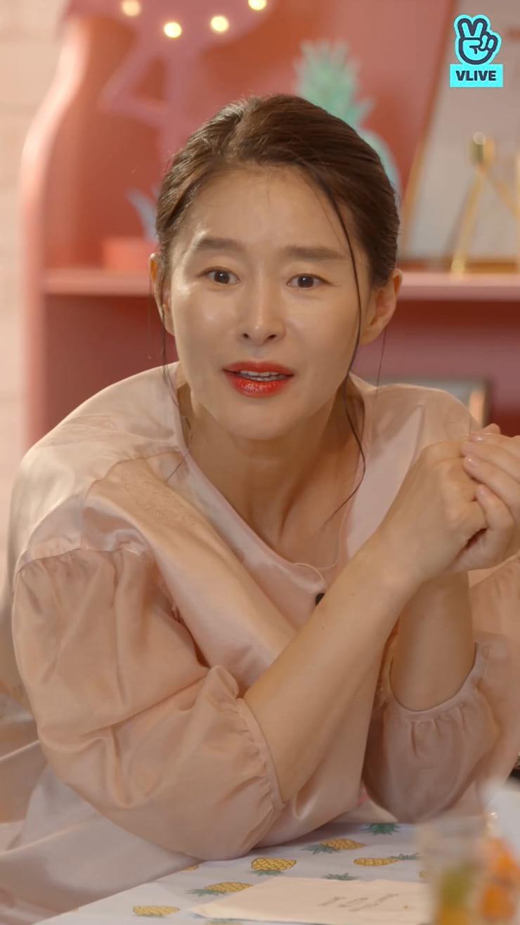 L'actrice Ye Ji Won en promo de Still 17