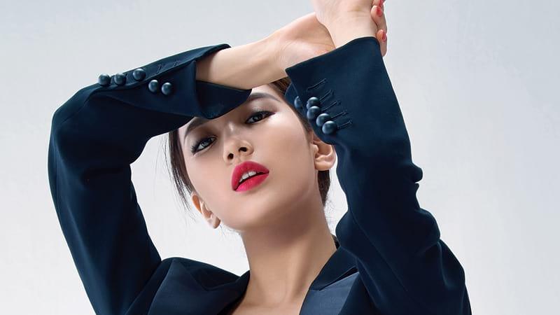Suzy Bae pose pour Marie-Claire Korea