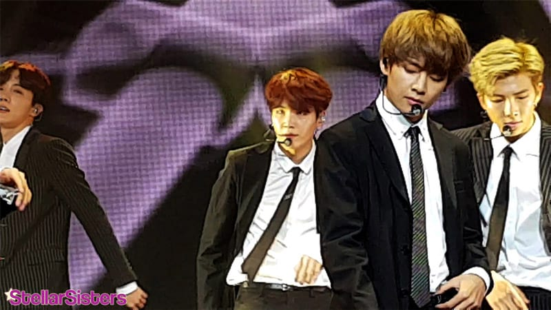 V de BTS au concert de l'amitié france-corée