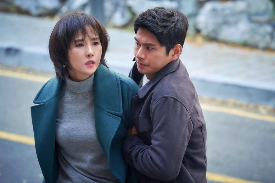 Kim Sun Ah et Lee Yi Kyung dans le drama Children of Nobody