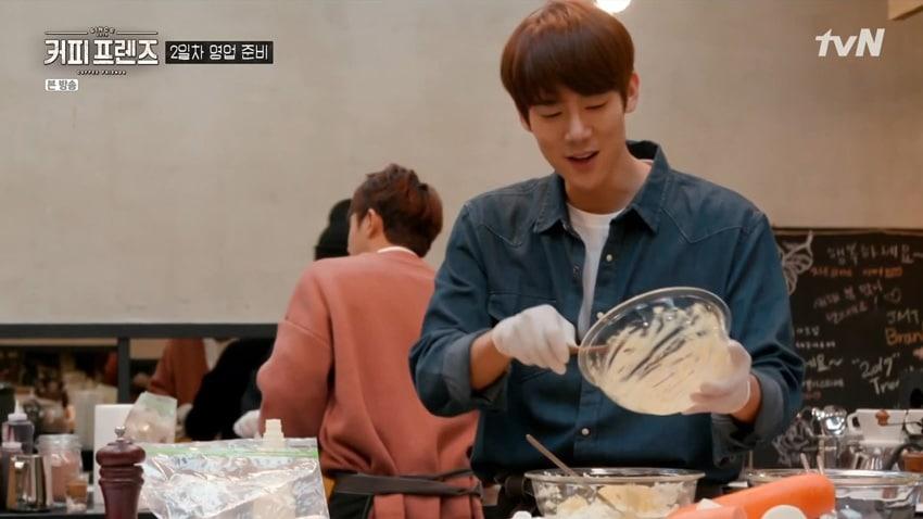 Yoo Yeon Seok chef cuisinier dans Coffee Friends