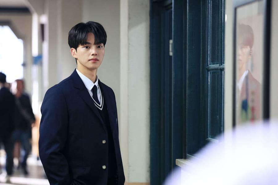 L'acteur coréen Song Kang