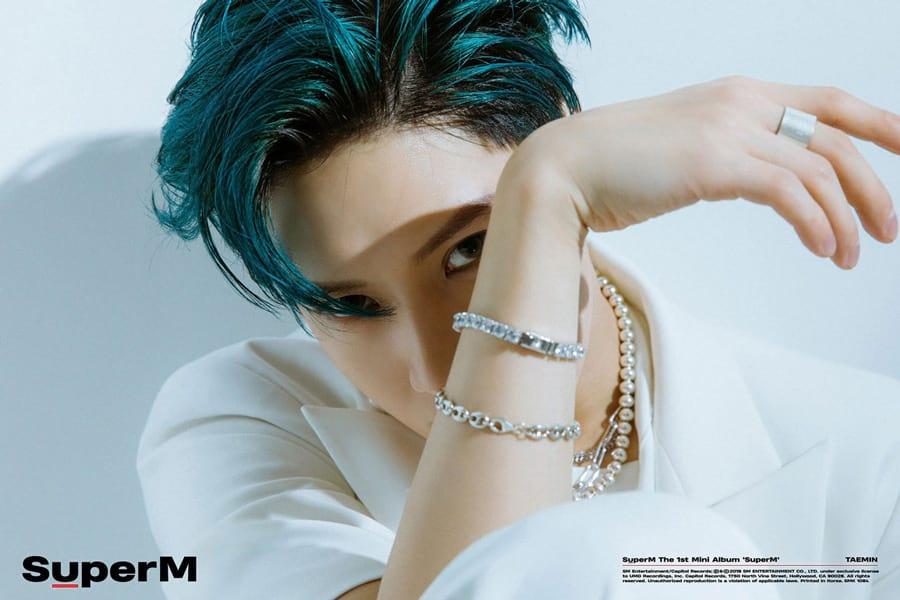 Lee Taemin avec les cheveux bleus