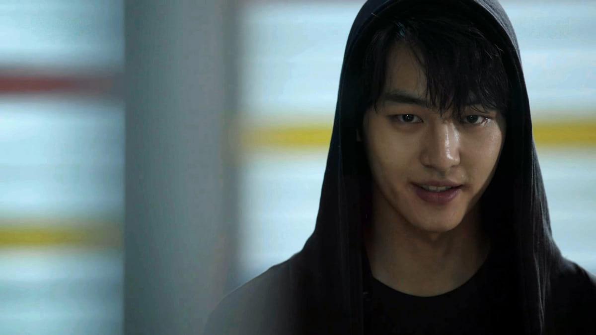 Lee Sung Hoon (Yang Se  Jong) dans l'épisode 1 de Duel