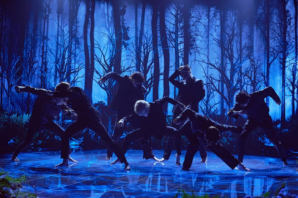 BTS performe Black Swan au Late Late Show