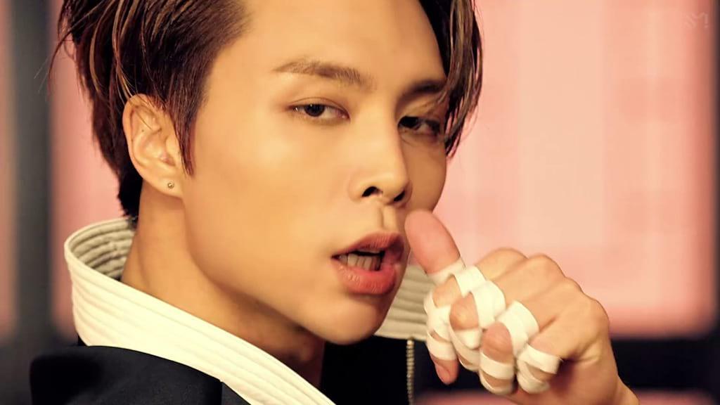Johnny de NCT 127 : kick it
