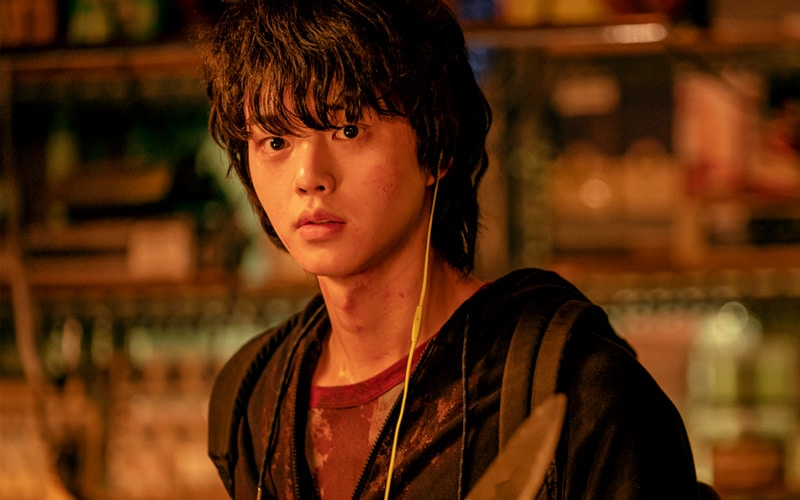 Song Kang dans Sweet Home (Netflix)